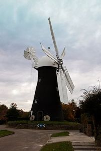 256px-Holgate_Windmill_19_Jan_2013