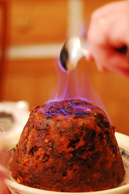 Christmas_Pudding_with_Flaming_Rum